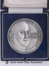 TR0039 : - Austin Golden Jubilee 1905 - 1955 - Herbert Austin side of coin - box open