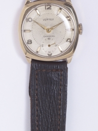 TR0040 : - Stanley Edge's gold watch - Front
